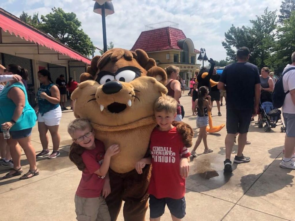 Theme parks in Chicago Six Flags