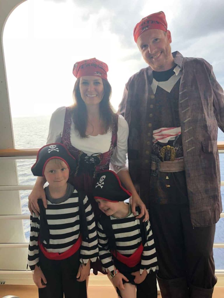 how to pack for a disney cruise pirate night
