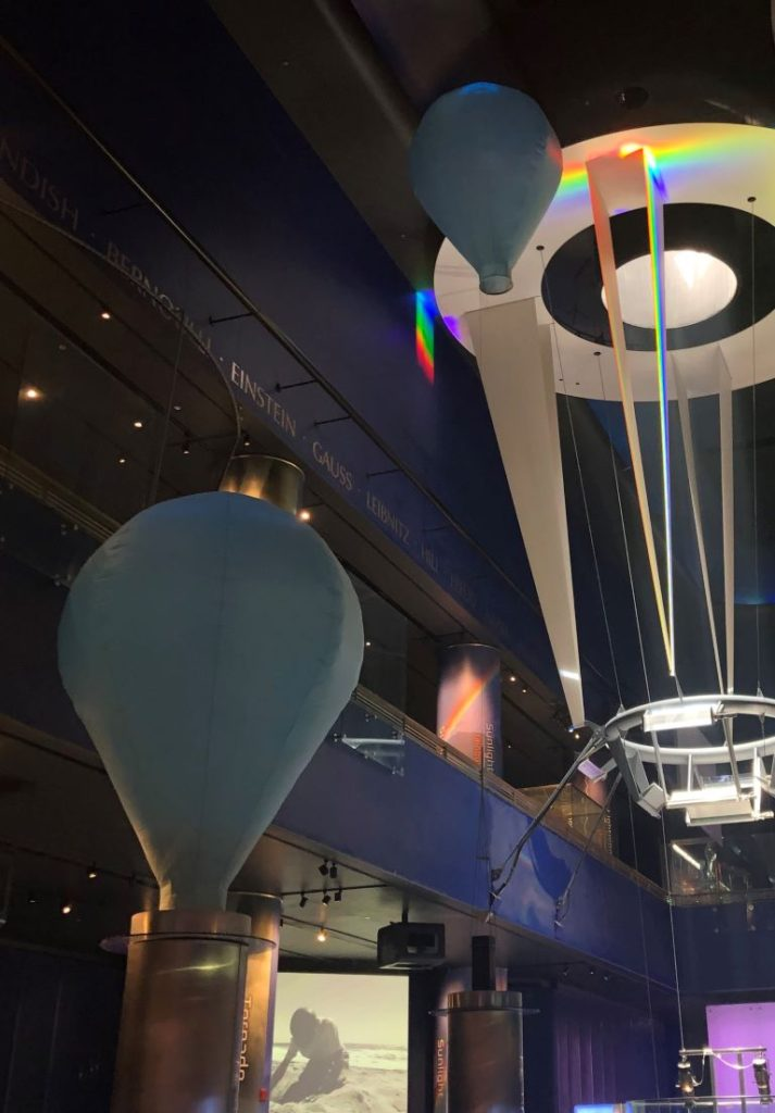 museum of science & industry (mosi) balloon