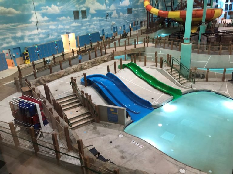 great wolf lodge chicago waterpark